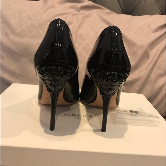 27842928c7c2 Authentic brand new Versace medusa head heels